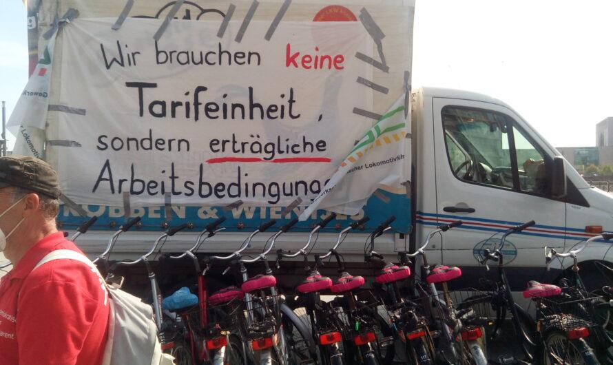 """Berlin, 6. September: """"Wir streiken. Denn Eisenbahner leben nicht von Lutz und Liebe"""""""